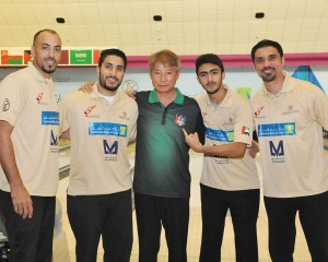 kuw_bowlers_with_park